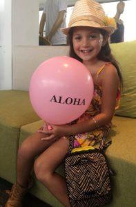 Cute keiki with ALOHA balloon